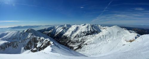 Panoráma Západných Tatier z vrcholu Bystrej
