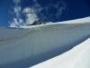 S pokorou prechádzame popod steny snehu a ľadu